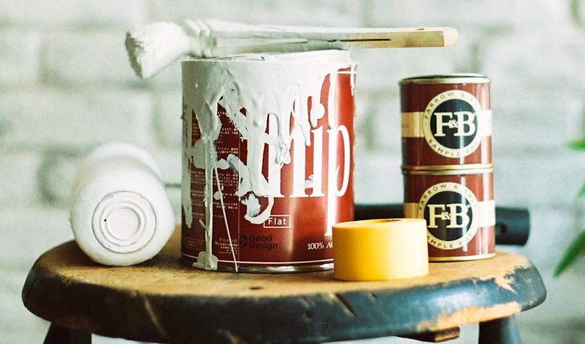 店舗内装 : レンガのペンキ塗り
