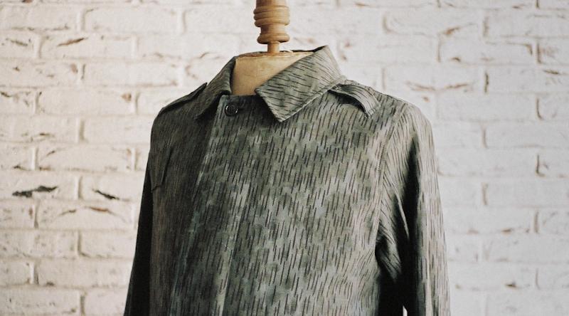 商品の紹介:東ドイツ レインドロップ迷彩 コート